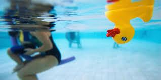 Cómo evitar que tu hijo pequeño se ahogue en la piscina