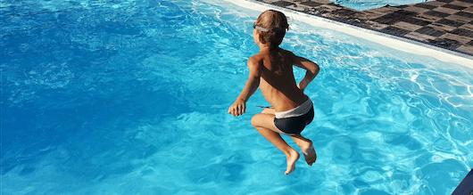Ahogamiento en la piscina de una urbanización
